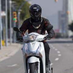 Foto 9 de 19 de la galería honda-scoopy-sh125i-2013-prueba-valoracion-galeria-y-ficha-tecnica-fotos-accion en Motorpasion Moto