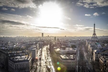 Las motos que no sean eléctricas pagarán por aparcar a partir de 2022 en París