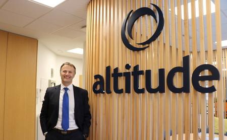 """""""Con servicios en la nube, cualquier empresa puede ofrecer un servicio de calidad a sus clientes"""": Entrevista a Julio Pérez vicepresidente de Altitude Software"""