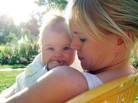 La foto de tu bebé en mayo: con mamá