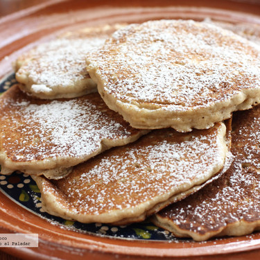 Hot cakes de manzana y canela. Receta para el desayuno