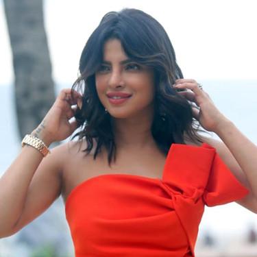Priyanka Chopra se convierte en la arrebatadora mujer de rojo que nos ha conquistado con su último look