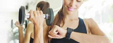 Las mejores ofertas de pulseras cuantificadoras y smartwatches para hacer deporte en casa durante el confinamiento