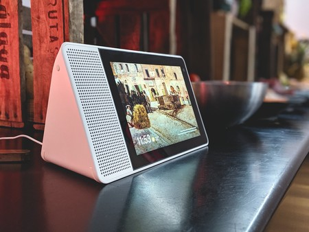 Ahorra 120 euros en el altavoz inteligente con Google Assistant y gran pantalla Lenovo Smart Display 8, un chollo en PcComponentes