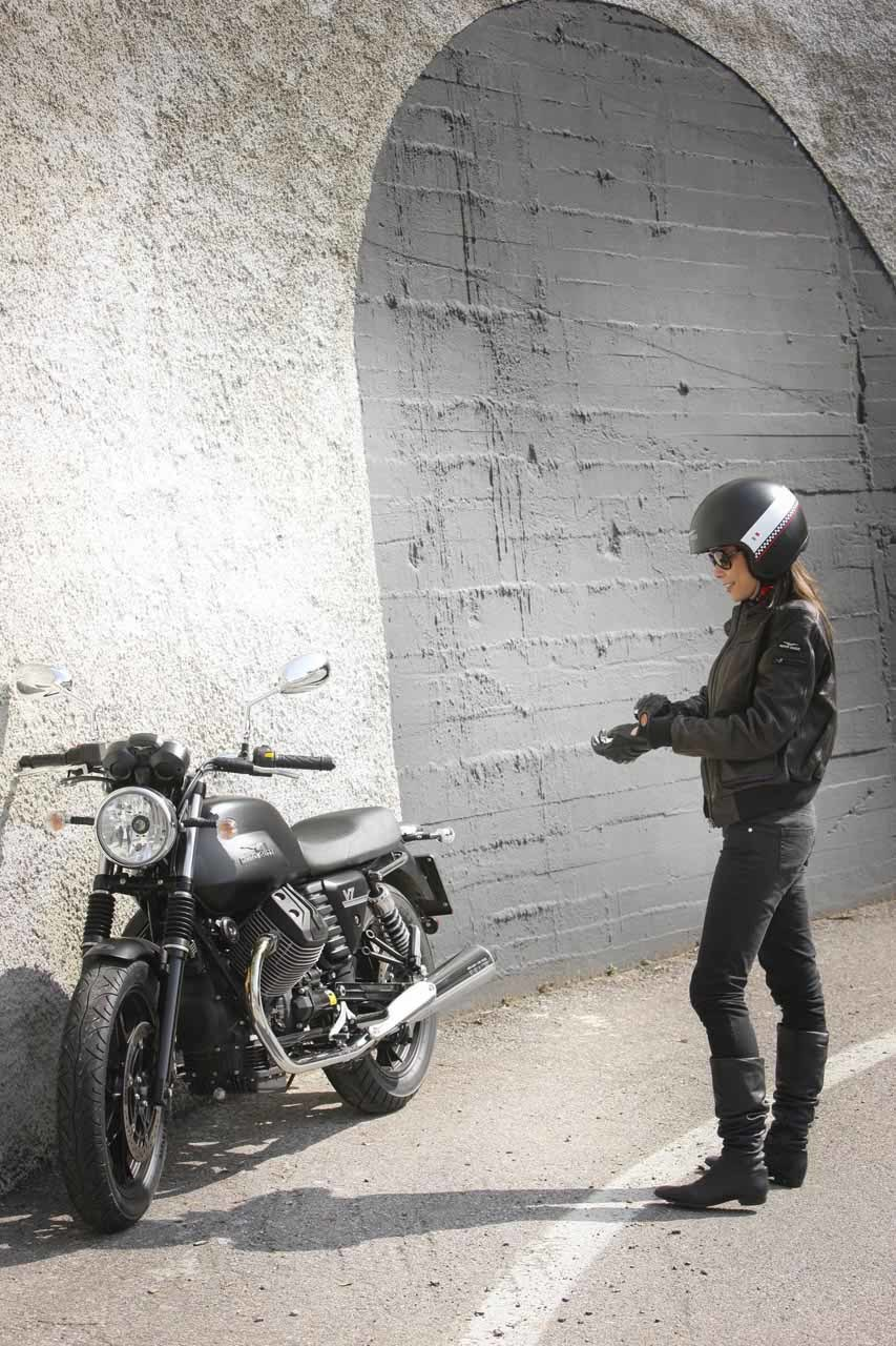 Foto de Moto Guzzi V7 Stone (50/57)