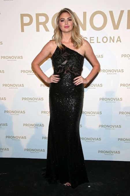 Kate Upton Photocall Pronovias Fashion Show