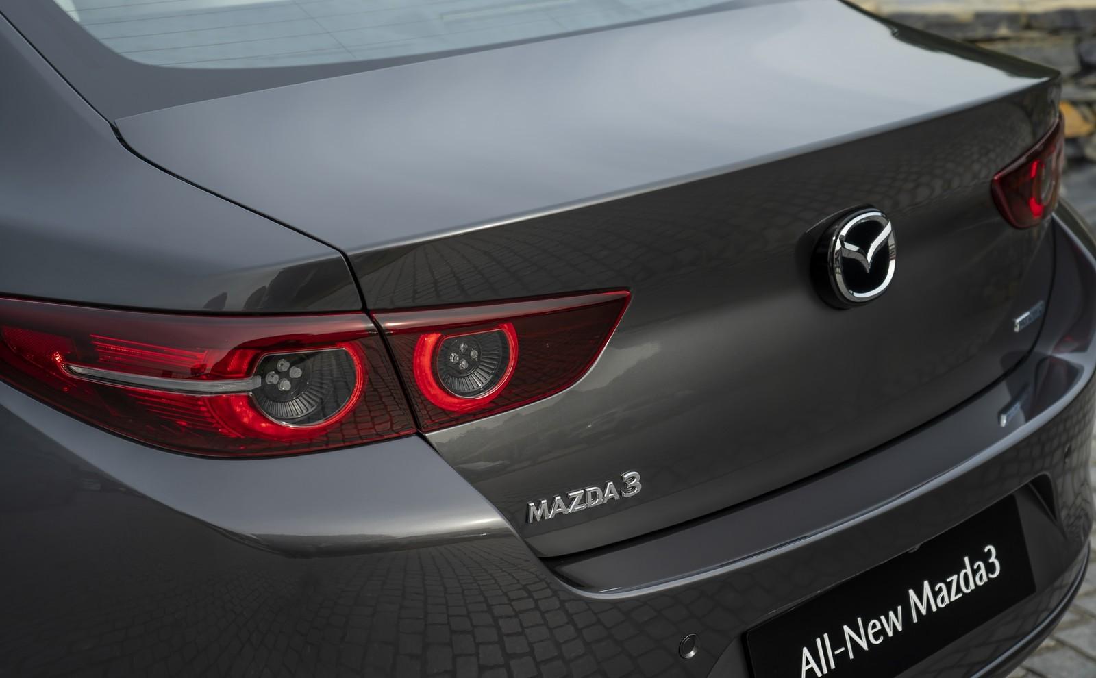 Foto de Mazda3 2019 Sedán (26/40)