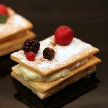 Receta navideña de milhojas de crema de queso y manzana