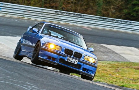 El BMW M3 E36 más rápido en Nürburgring rueda en torno a 7:30 minutos en estos vídeos