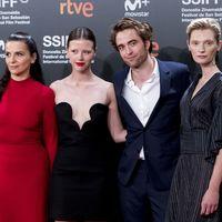 Robert Pattinson estrena High Life en San Sebastián vestido de Dior Homme