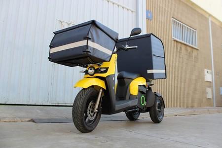 Con tres ruedas y capaz de cargar 120 kg: así es el Silence S03, un scooter eléctrico hecho para repartidores