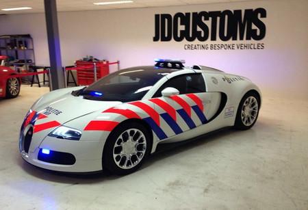 Y este es el Bugatti Veyron de la Policía de Delft... para las fotos