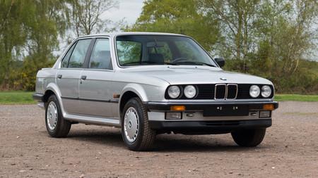 Una joya casi impoluta: este BMW 325iX de 1986 tiene 500 km, fue un pionero en la tracción total y está a la venta