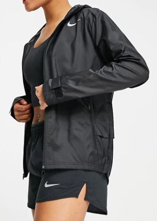Chaqueta negra básica de Nike Running