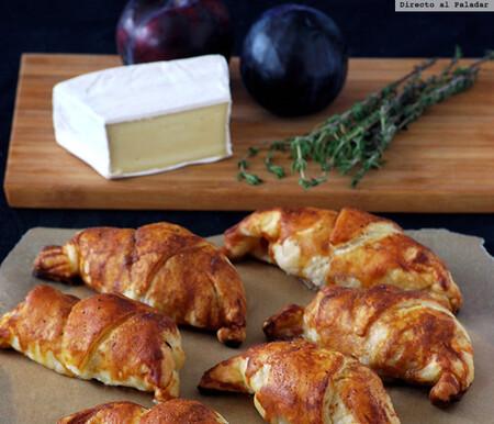 Croissants de hojaldre rellenos de lacón, brie y ciruela