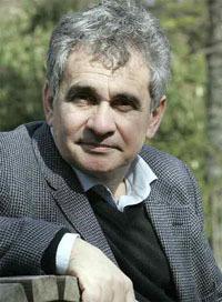 Bernardo Atxaga gana el premio Mondello en Italia