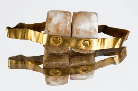Estos son los dientes postizos más antiguos (y también los más caros)