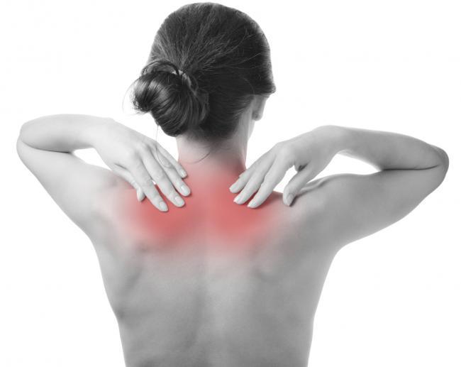 bulto en la parte baja de la espalda por la columna vertebral