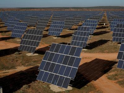 Apple ya tiene permiso para vender el exceso de energía solar que genera