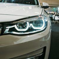 Una fiscalidad más justa por emisiones y ayudas para coches eléctricos e híbridos: las propuestas de los fabricantes al Gobierno