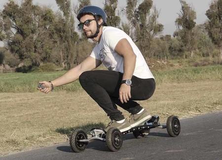 TEZCA, esta patineta eléctrica creada en México promete transportarnos en cualquier tipo de terreno