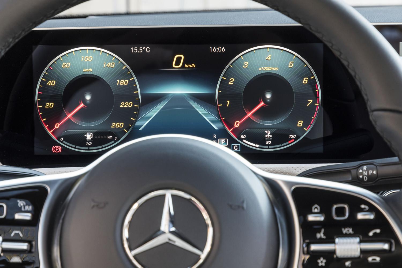 Foto de Mercedes-Benz CLA Coupé 2019, toma de contacto (68/248)