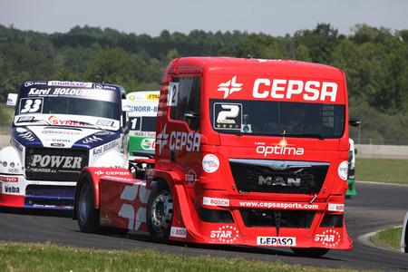 Antonio Albacete domina en Nogaro y se acerca a Jochen Hahn