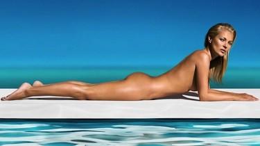 Kate Moss se pone todo, todo pero todo bien moreno