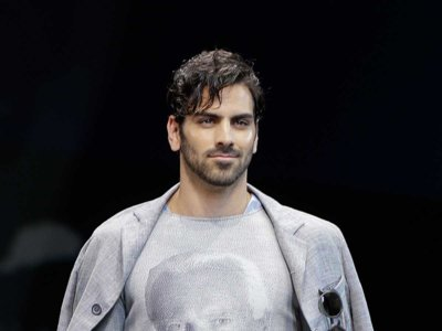 Nyle Dimarco desfila para Giorgio Armani en la Semana de la Moda de Milán
