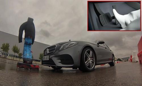 El asistente a la conducción de Mercedes-Benz, a prueba: los primeros pasos de la conducción autónoma