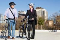 Caminar o pedalear hasta el trabajo mejora la salud mental
