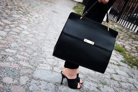 Bolsos de día en color negro: un clásico que jamás falla