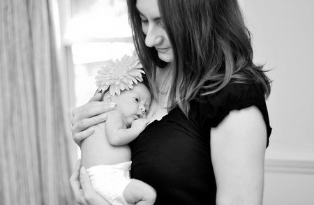 Separarse de su madre estresa al recién nacido