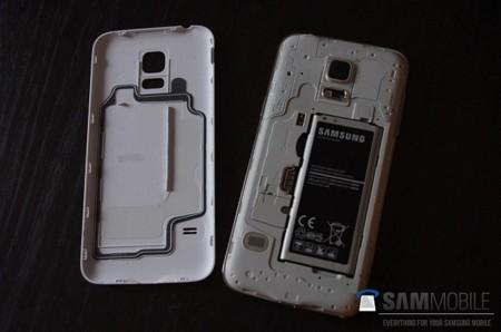 Primeras supuestas imágenes del Samsung Galaxy S5 Mini, un calco de menor tamaño del S5