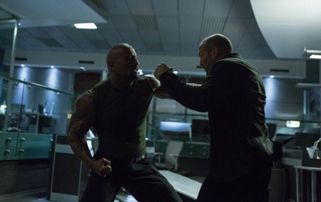 Dwayne Johnson y Jason Statham en