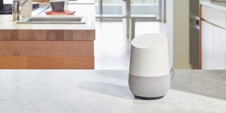 Estrena altavoz inteligente ahorrando 30 euros: MediaMarkt te deja el Google Home por sólo 69 euros