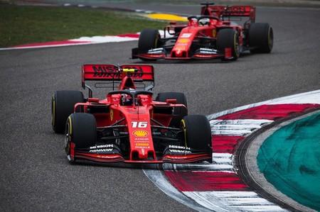Ferrari se pone al frente y Charles Leclerc doblega a Sebastian Vettel en los caóticos entrenamientos de Bakú