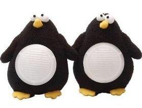 Pingüinos de peluche como altavoces