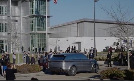 Range Rover presenta un modelo Sport, autónomo, eléctrico…y solo para una serie online de Hulu
