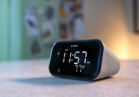 Lenovo Smart Clock Essential: el nuevo reloj inteligente de Lenovo llega con Google Assistant y luz nocturna
