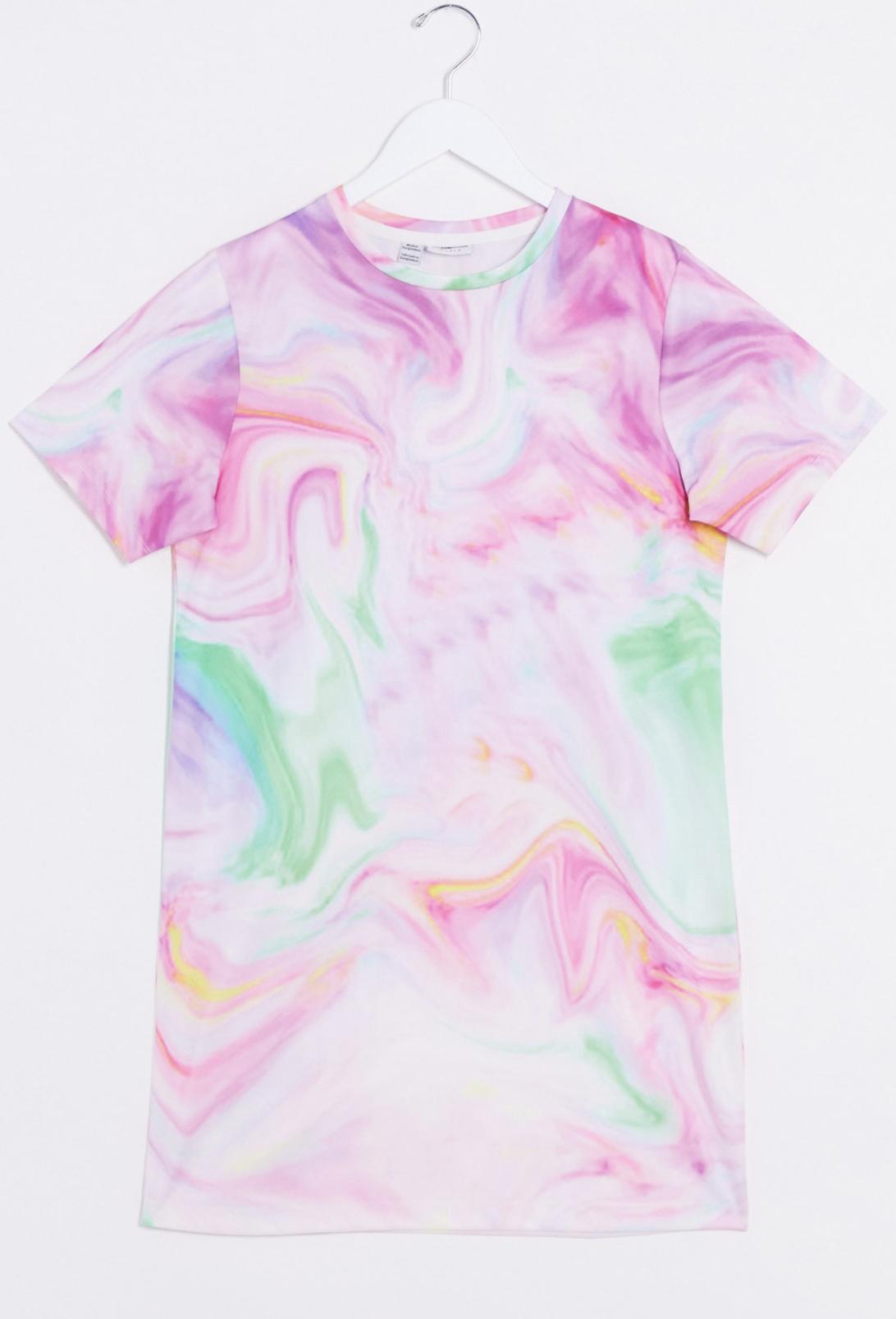 Vestido estilo camiseta con diseño teñido anudado de Noisy May