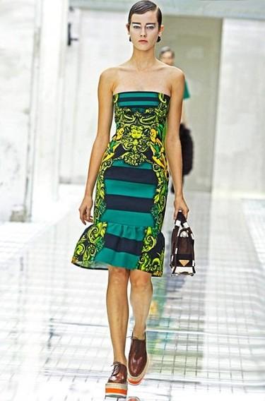 Duelo de portadas: vestido Prada ¿Marie Claire, Harper's Bazaar o PF?