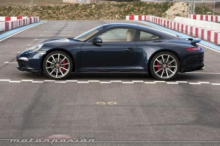 Porsche 911 Carrera 4S lateral