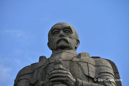 Jose Piñera: expulsemos a Bismarck de España