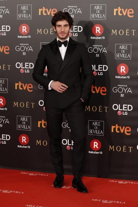 Quim Gutierrez Apuesta A Los Basico Para Un Formidable Look En Los Premios Goya 2018 2