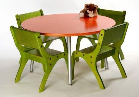 Juego de mesa y sillas infantil de Knú