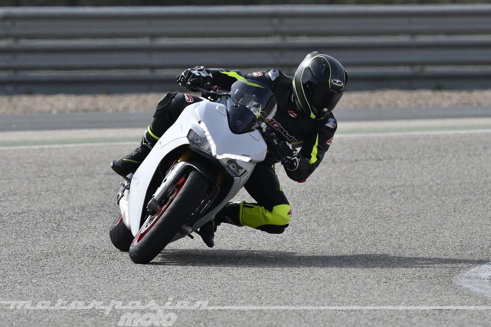 Foto de Ducati Supersport S (19/32)