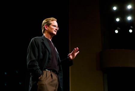 Quién es Lawrence Lessig y por qué quiere ganar las elecciones de EEUU para dimitir