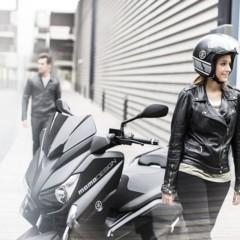 Foto 7 de 15 de la galería yamaha-x-max-400-momodesign-en-accion en Motorpasion Moto
