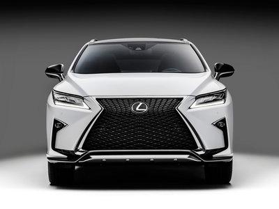 Lexus se apunta al hidrógeno, quieren un modelo de pila de combustible en 2020